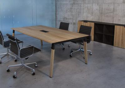 Mesa de reuniones Natur